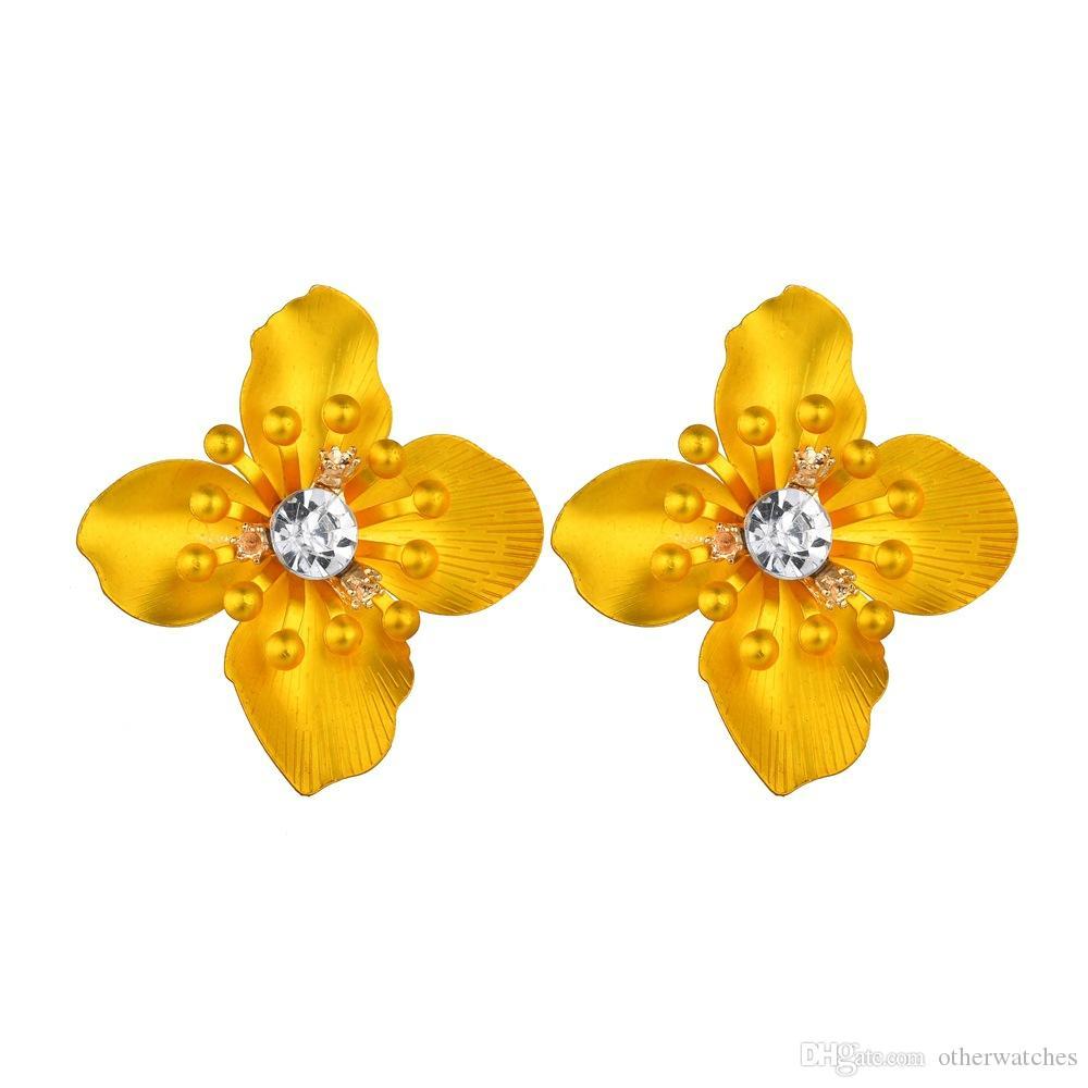 Преувеличенные мода цветы Алмаз пронзили серьги