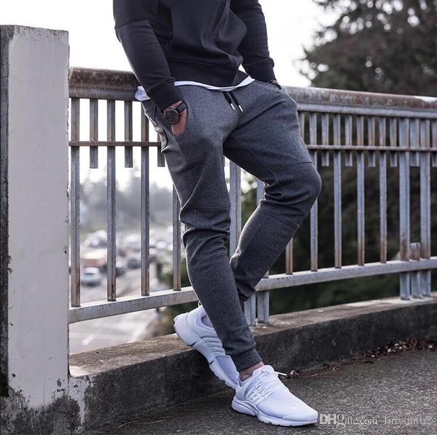 2018 nuovi Mens Pantaloni sportivi Autunno Inverno uomo Palestre fitness Bodybuilding Pantaloni allenamento pantaloni maschili casuali della matita pantaloni di cotone