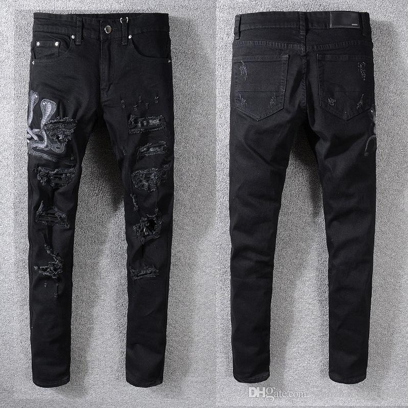 Jeans strappati di qualità CALDA da uomo Biker da pista Magro Pantaloni slim in denim Cowboy Famoso marchio Cerniera Designer Vendita calda Foro da uomo Jeans neri