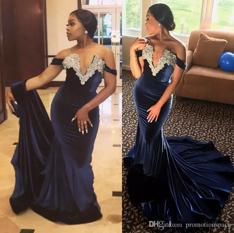 세련된 오프 어깨 네이비 블루 벨벳 댄스 파티 드레스 2018 섹시 브이 넥 크리스탈 abendkleider 댄스 파티 드레스