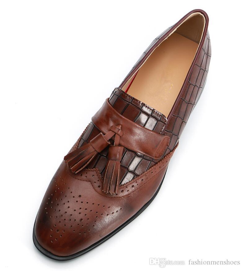 2019 neue heiße Art und Weise Männer Quaste Schuhe Beleg auf Vintage Kleid Männer Schuhe braun Leder Wohnungen England Stil Loafers Hochzeit Schuh männlich