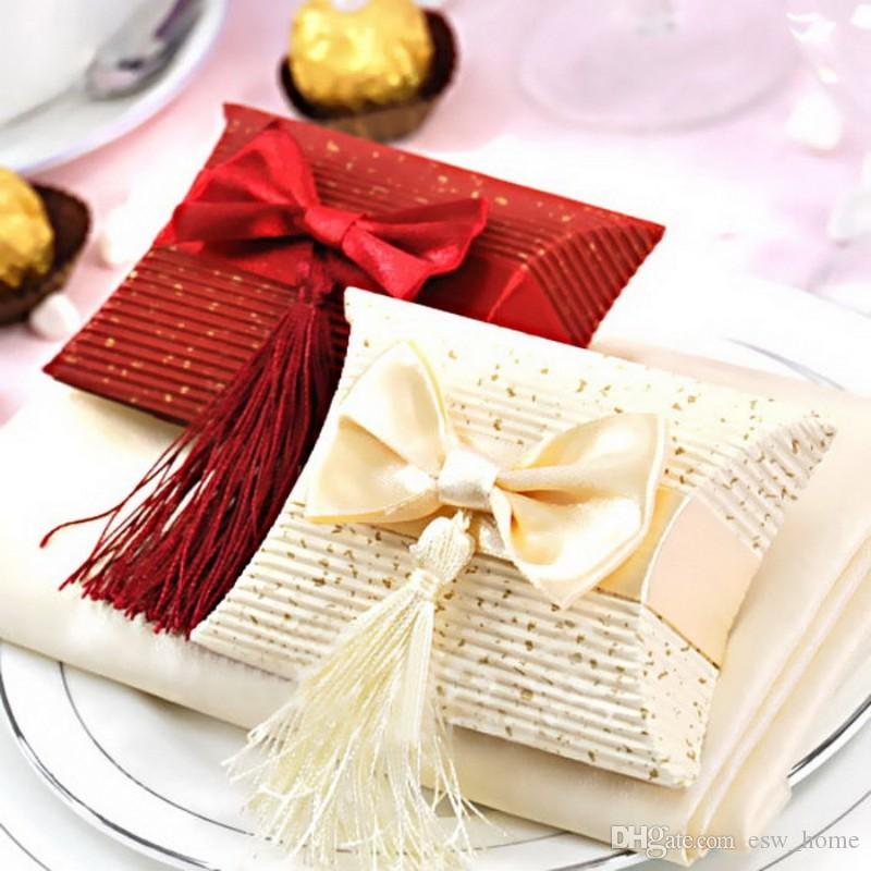 Red tassel Paper Pillow chocolate candy Box gift bag Wedding party birthday Favor bow-knot Packaging Sweet Bags Holder