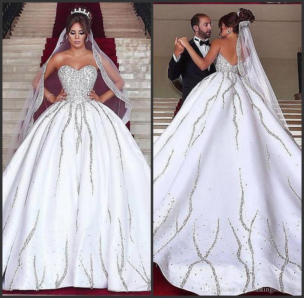 Robe de bille satinée sans bretelles et robe de mariée taille Dubaï