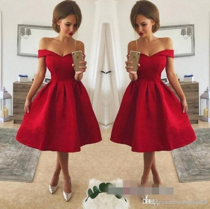 Compre Vestidos De Cóctel Cortos De Color Rojo Vestidos De Regreso A Casa Sexy V Cuello Del Hombro Longitud De La Rodilla Con Encaje Apliques De Un