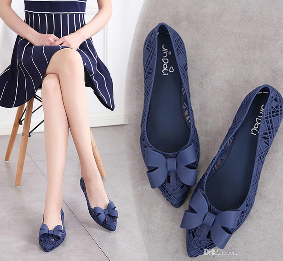 2018 женщин гнездо бантом желе обуви леди мелкий плоским дном дышащие сандалии женский выдалбливают пляжная обувь девушка сандалии женщина платье обувь