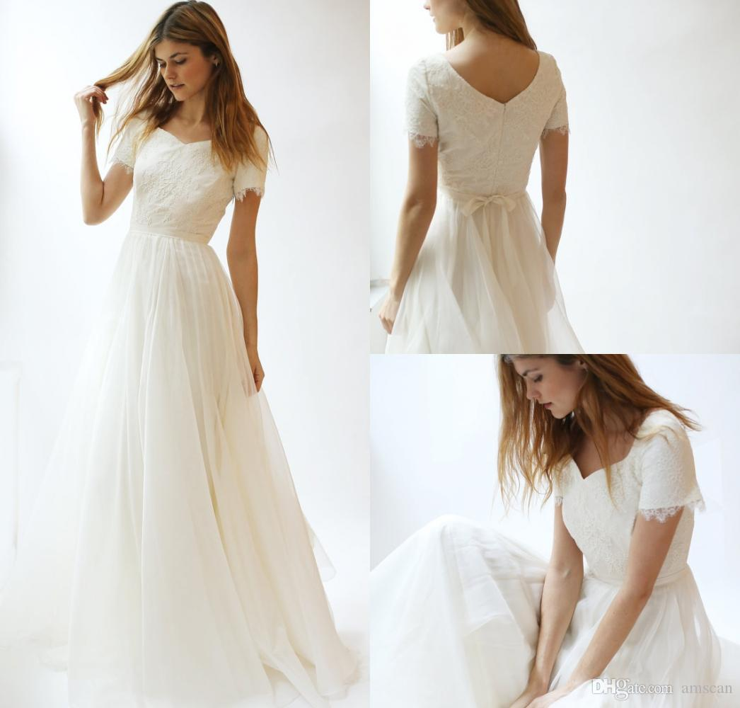 Discount Vintage Modest Wedding Dresses With Short Sleeves Simple Bohemian Lace Bridal Gowns 2019 Country Wedding Dress Cheap Beach Wedding Dress