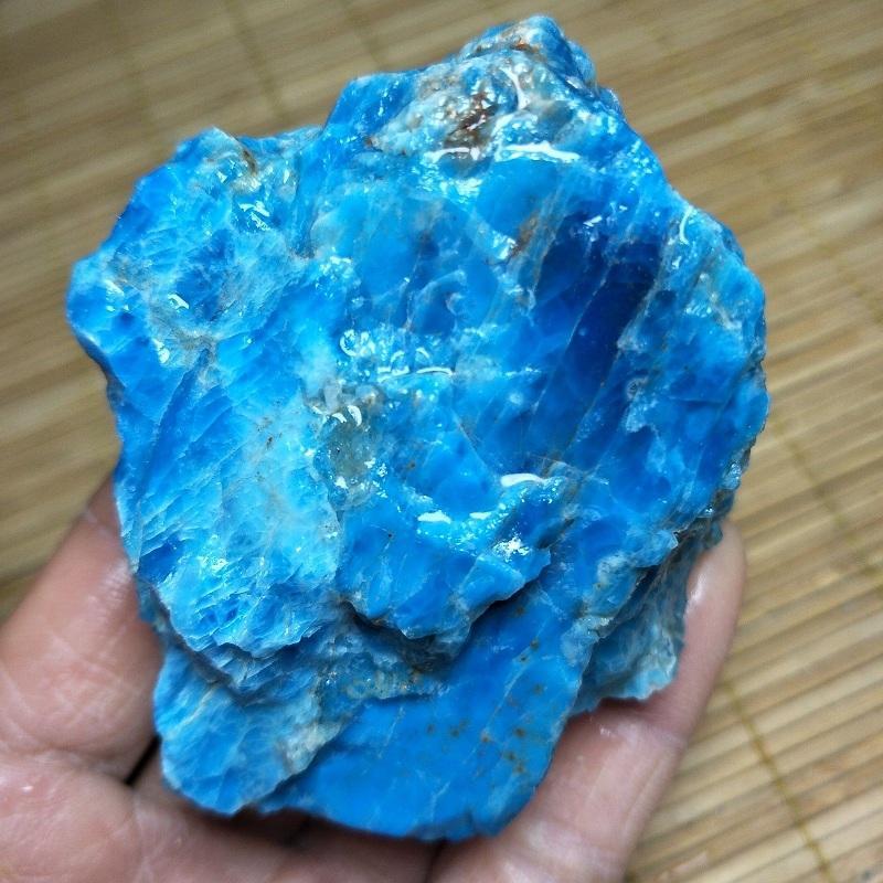 spécimen de minéral natural la labradorite rude rock cristal bleu quartz