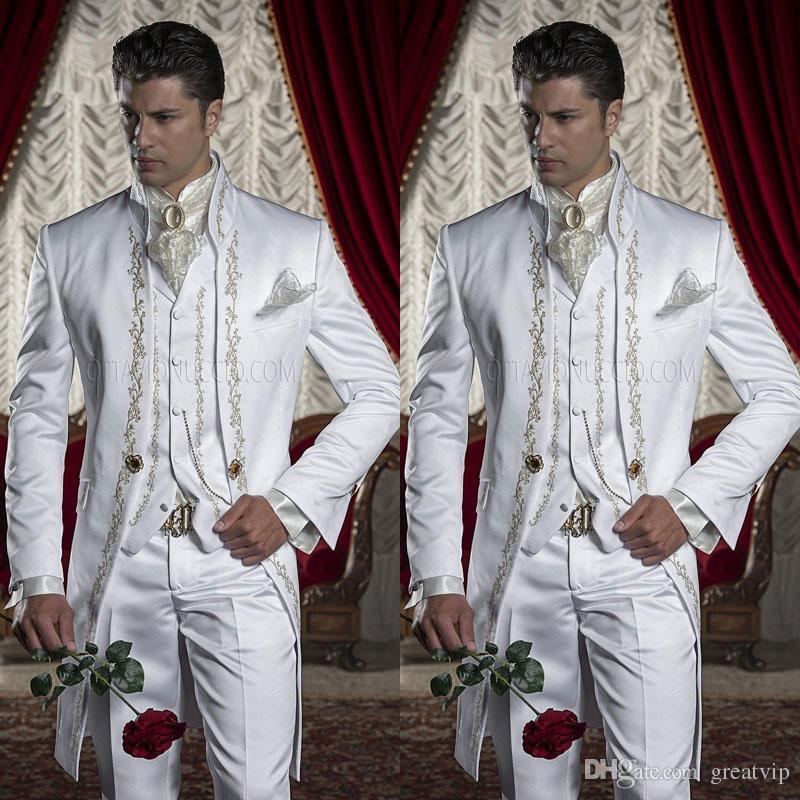 Costumes de broderie smokings marié hommes blanc Groomsman Un bouton Costume de mariage formel, y compris (veste + pantalon + veste) Three Pieces Party Clothin