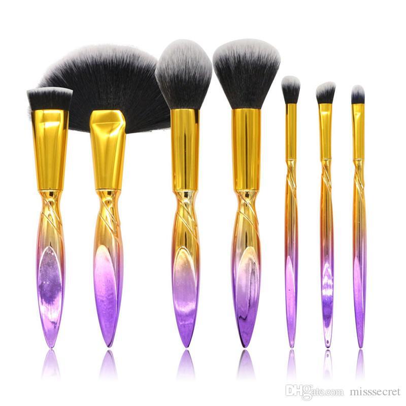 Yeni 7 Adet / takım Degrade Renk Makyaj Fırçalar Seti Vakfı Göz Farı Kirpik Kapatıcı Allık Makyaj Fırçalar Maquiagem