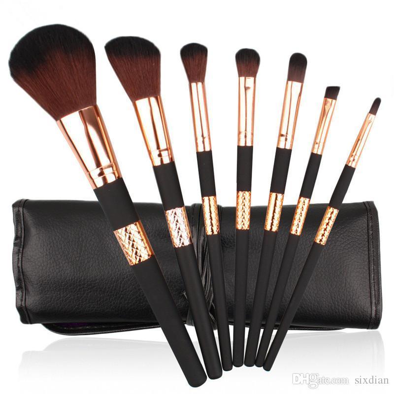 7 stücke Professionelle Make-Up Pinsel Kit Schwarz Gold Gesichtspuder Foundation Concealer Lidschatten Eyeliner Kosmetik Pinsel Make-Up-Tool mit PU Tasche