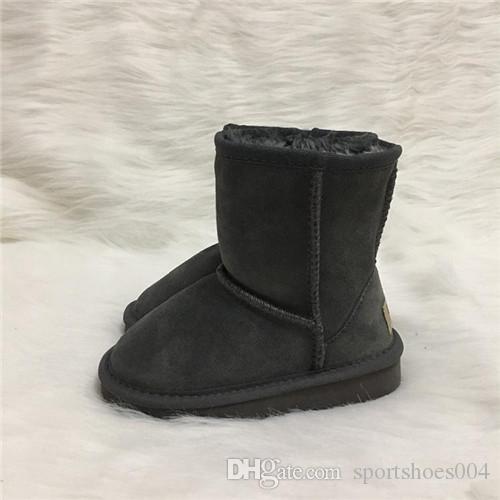 Sıcak satış tasarımcı ayakkabı Erkek ve Kız Avustralya Tarzı Çocuklar Kar Botları Su Geçirmez Slip-on Çocuk Kış Inek Deri Çizmeler Marka Ivg