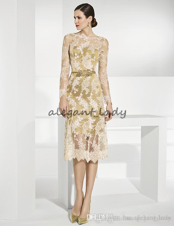 Laço de ouro Mãe Da Noiva Vestidos Com Mangas Compridas Sheer Bateau Pescoço Bainha Vestido de Convidado Do Casamento Chá Comprimento Plus Size Vestidos de Noite