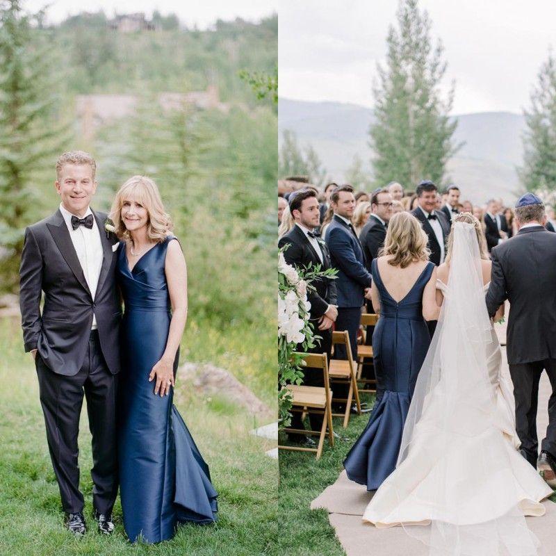 El último 2018 Eelgant azul marino sirena madre de la novia viste los vestidos de noche con cuello en V acanalada madre del vestido del novio por encargo EN2092