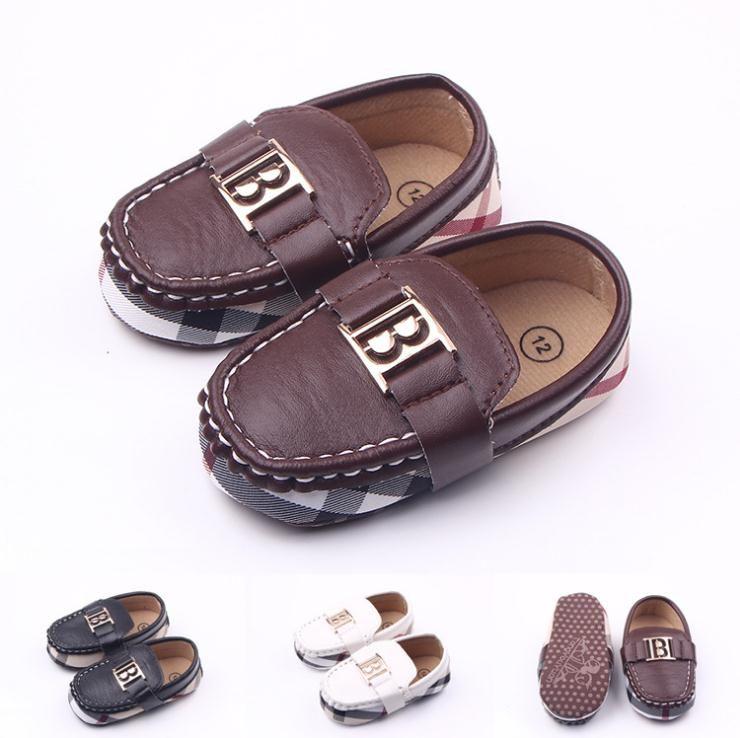Горячая продажа Детские мокасины Кожа PU Boy First Walker Мягкие подошвой девочки обувь Новорожденные 0-1 лет ребенок мальчиков тапки