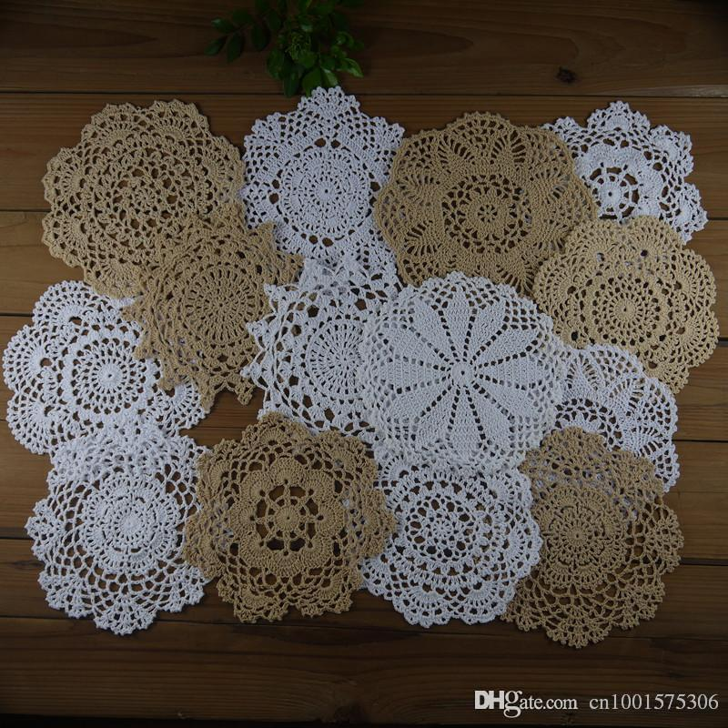 14 piezas - Lot, Shabby Chic Vintage Look Heart Crochet Doilies Posavasos Beige Blanco Inicio decoración de la boda.