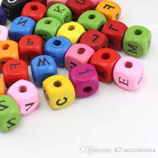 팔찌 10MM에 대한 100PCS 혼합 색상의 큐브 모양 ALPHABET 우드 비즈 공예 / 어린이의 보석 만들기