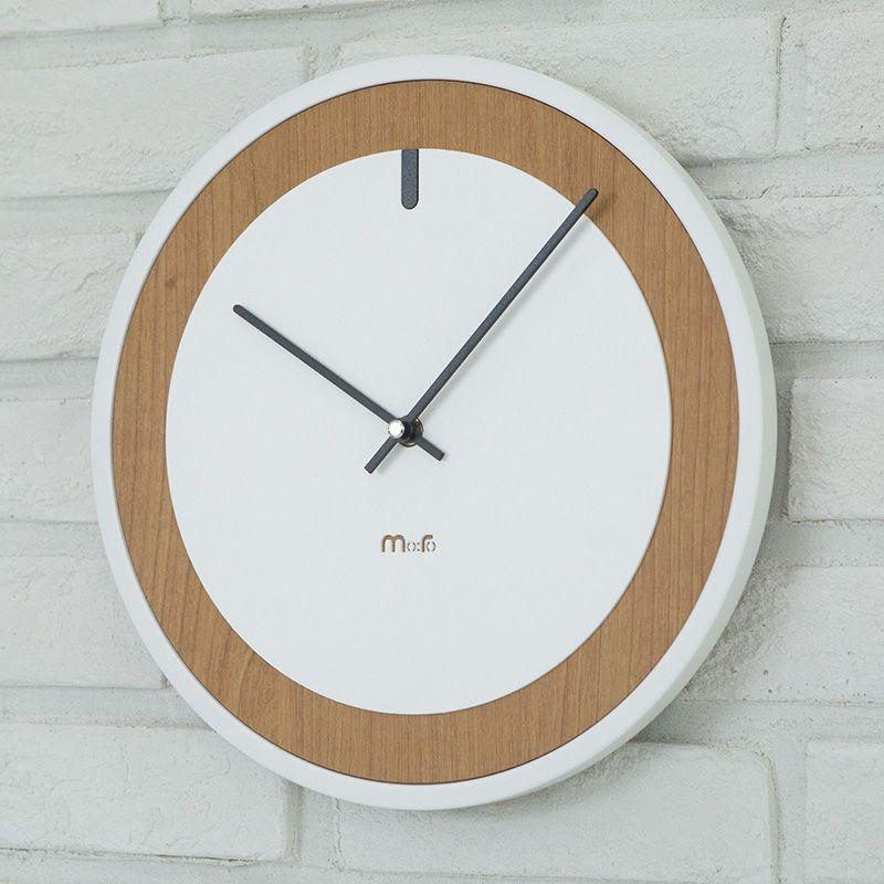 Européen Circulaire Silencieusement Horloge Pour La Décoration Intérieure Moderne Minimaliste Pin Bois Blanc Horloge Murale Avancée Vogue Artistique Montres