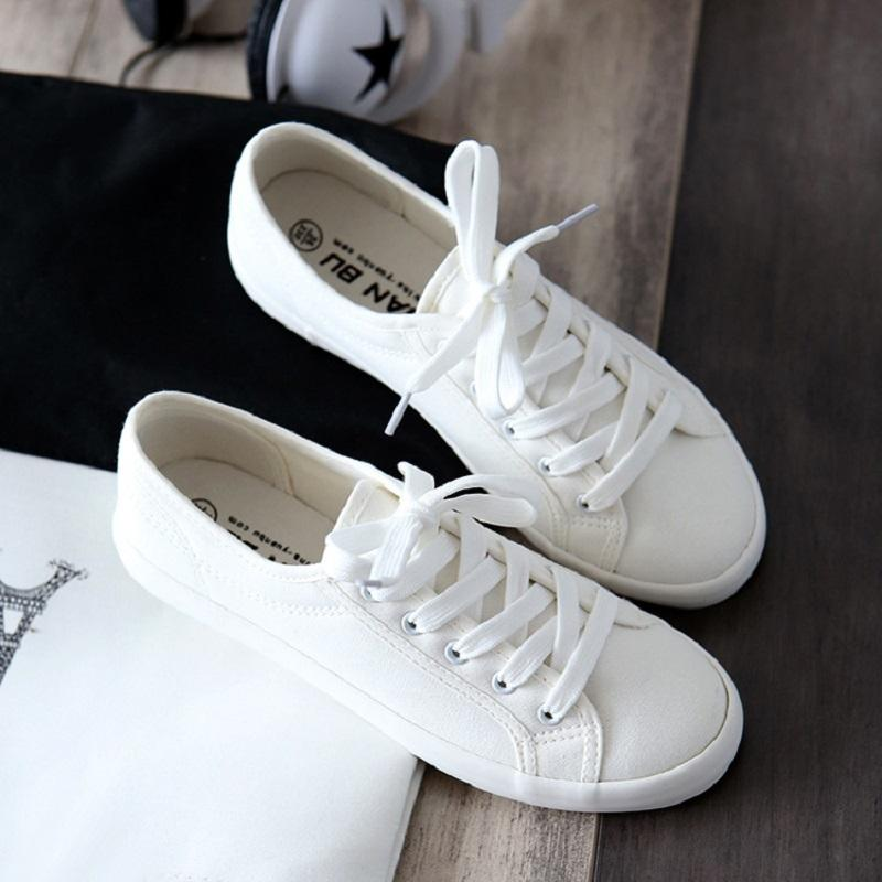 2020 Classic Women Flats Solid White