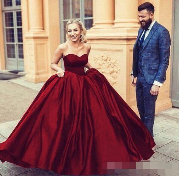 Elegante Colorido vestido de Baile Vestidos de Casamento Fit e Flare Borgonha Vestido de Noiva Querida Sem Mangas Até O Chão Traje De Noiva Arábica Personalizado
