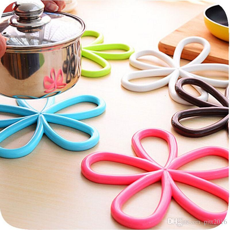 200 PCS Flower Shape Cup Mat Silicone Round Table Heat Resistant Mat Coffee Coaster Cushion Placemat Pad