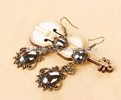 new hot L'étoile est la même célèbre dame noble cour vintage cristal noir boucles d'oreilles diamant mode classique délicat élégant