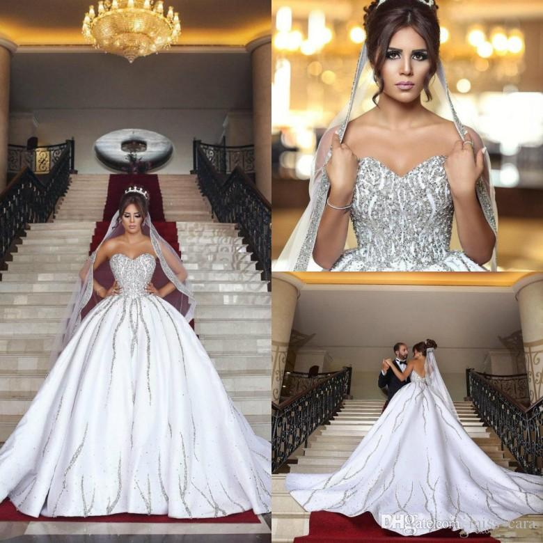 Acheter Luxe Bling Dubai Arabe Princesse Robes De Mariee Perles Paillettes Cherie Backless Country Robe De Mariee Avec Des Voiles Assorties Robes De
