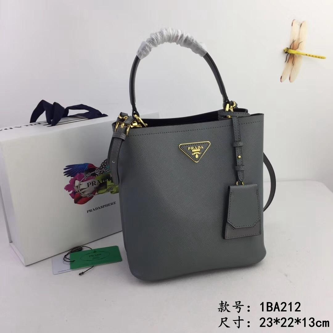 Gold plated metal accessories Classic casual women's high quality Inclined shoulder handbags 022005