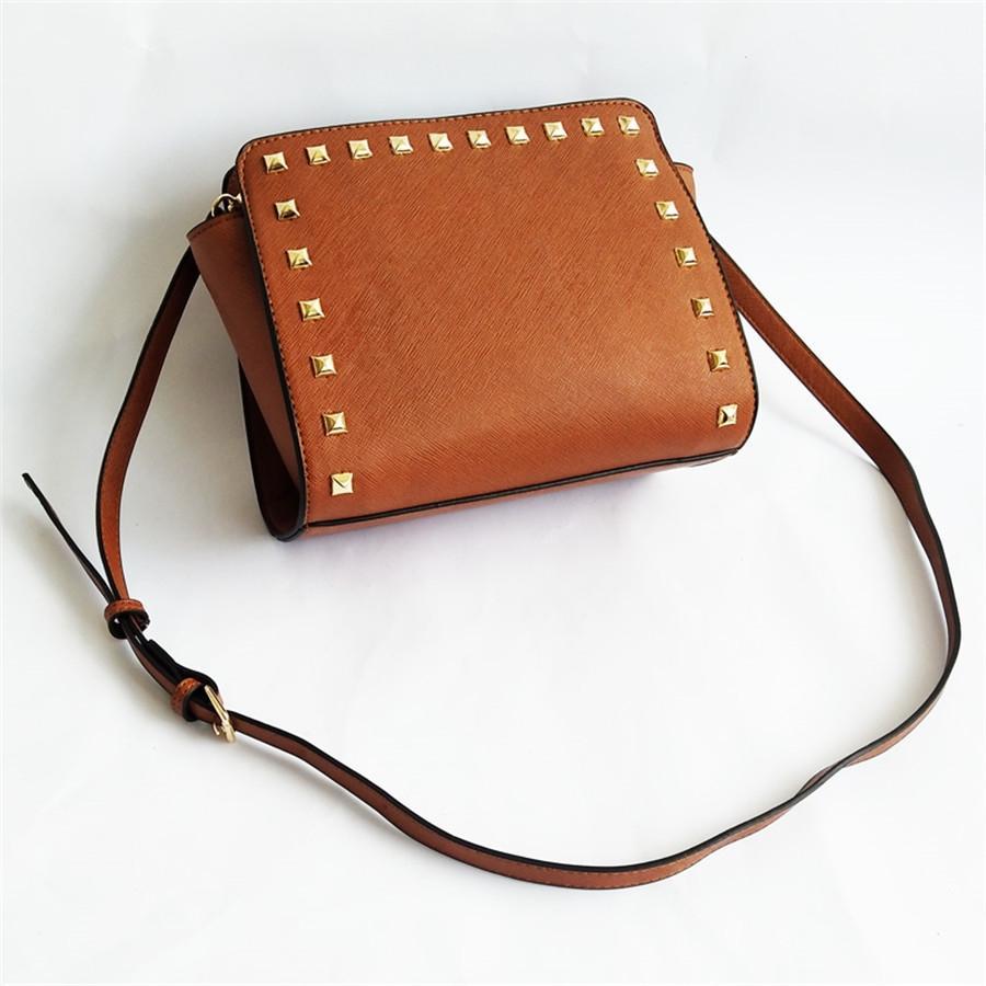 Hot Kardashian Kollection Shoulder Bag Kk Mulheres Rivet Designer Bag Shoulder Bag Moda Bucket de ouro cadeia Messenger Bags Kk-605002 Livre S # 562