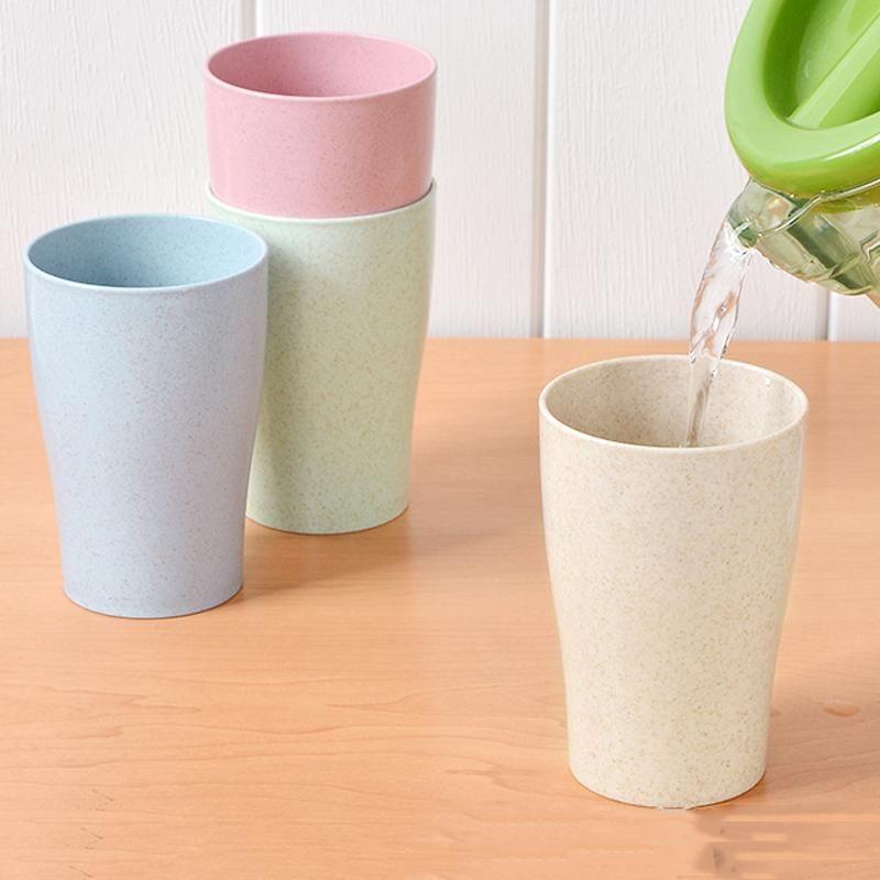 4 pçs / lote Caneca de água de plástico Capacidade de Café Café de doces suco de cor bebida Copo de trigo de trigo Toothbrush Copos de bocja Garrafa de água personaliza DBC VT1202