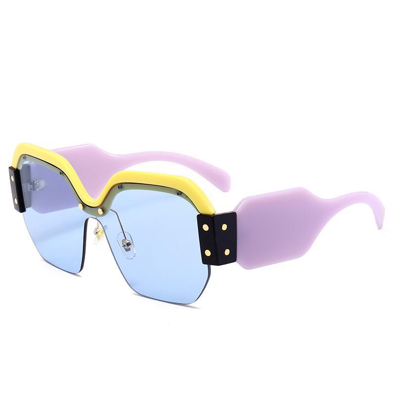 Lunettes de soleil en gros-designer surdimensionnées lunettes de soleil pour femmes Lunettes de soleil carrées personnalité personnalité pare-brise rétro film de couleur lunettes réfléchissantes