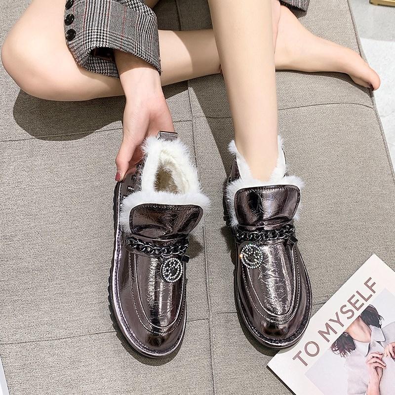 الشتاء المرأة براءات جلدية جديدة الكاحل أحذية الثلج أنثى المعادن الموضة سلسلة الثلج أحذية السيدات عارضة الدافئة رشاقته أحذية الثلج