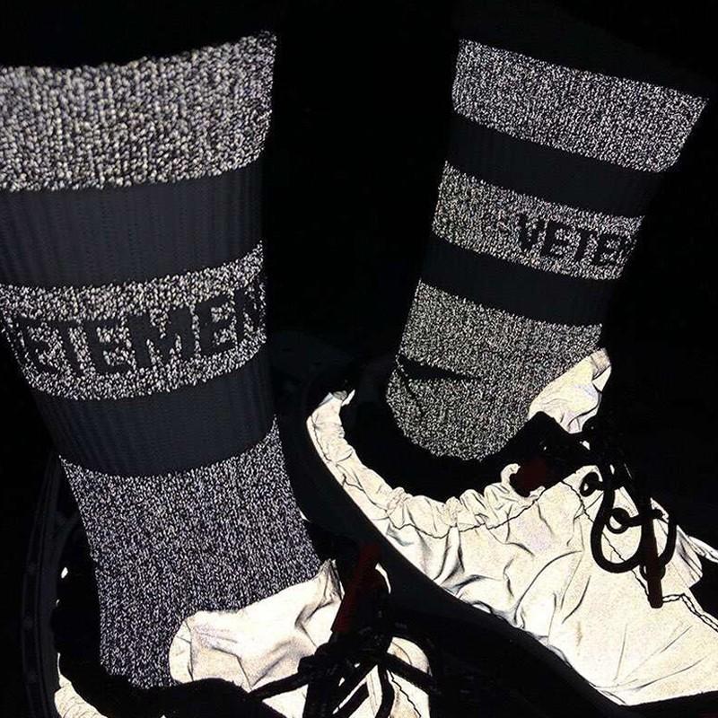Kanye Vetements Yansıtıcı Çorap Sokak Moda Spor Rahat Güzel Socking İlkbahar Sonbahar Kış Nefes Orta Tüp Çorap HFYMWZ026