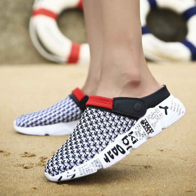 2019 Nouveau Hommes Chaussures d'été Slip-on Croc Sabots Sandales d'eau respirante Lumière de jogging Chaussures Casual plage Chaussons MX200617
