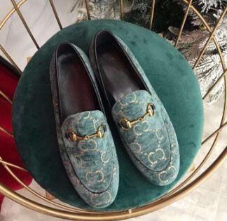 Diseñador de zapatos de mujer bordado Plaid botón de caballo zapatos planos hebilla hebilla Mocasín de color a juego retro zapatos 0000