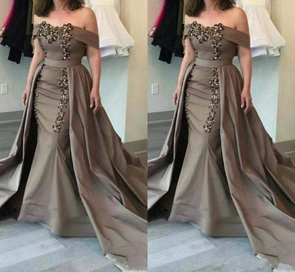 2020 Barato Sereia Marrom Mãe Da Noiva Vestidos Fora Do Ombro Rendas Apliques de Contas Com Superiores Plus Size Formal Vestidos de Festa À Noite