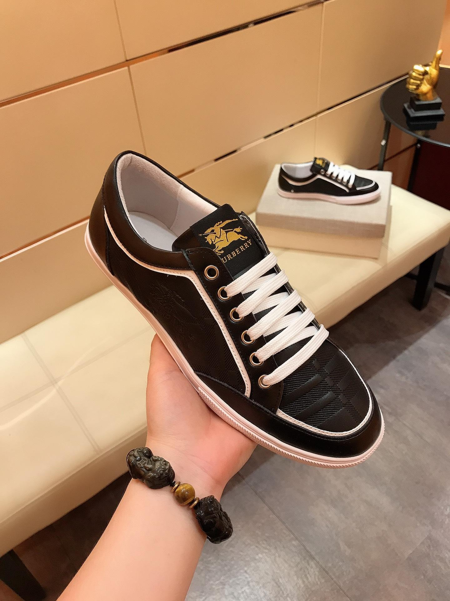 Vente pas cher Hommes Chaussures plates Chaussures Hommes Casual Sneaker Formateurs Designer Chaussures en cuir Livraison gratuite HY679A1