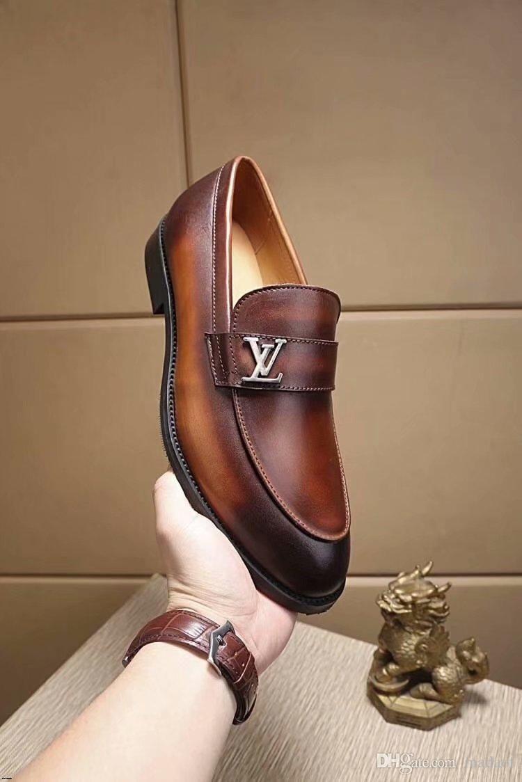 20SS Designers Marques de Luxe Oxfords Chaussures pour hommes Chaussures de cuir Chaussures Bureau Robe Zapatos Hombre Chaussures de mariage Homme Noir Blanc YETC4