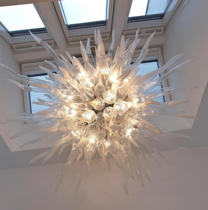 Lampes Villa Art Decor High Ceriing Lights Shape ronde American Classic LED Lumière en verre Pendentif en verre soufflé à la main Éclairage