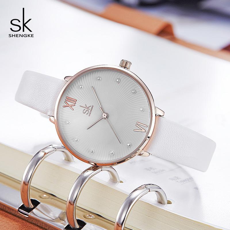 Shengke Творческий Pearl набор женщин кварцевые часы белый кожаный женские наручные часы Часы Mujer 2019 женский день подарков Часы