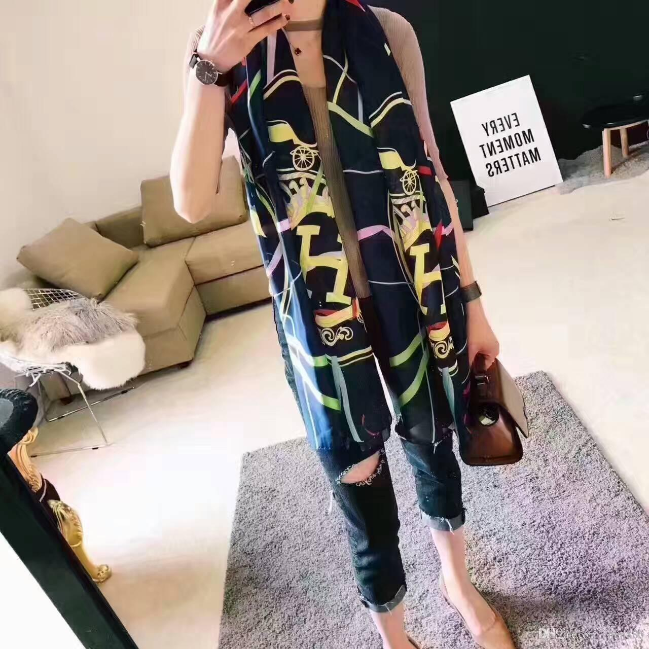 High quality 2019 Fashion autumn and winter brand silk scarves timeless classic, super long shawl fashion women's soft silk scarves