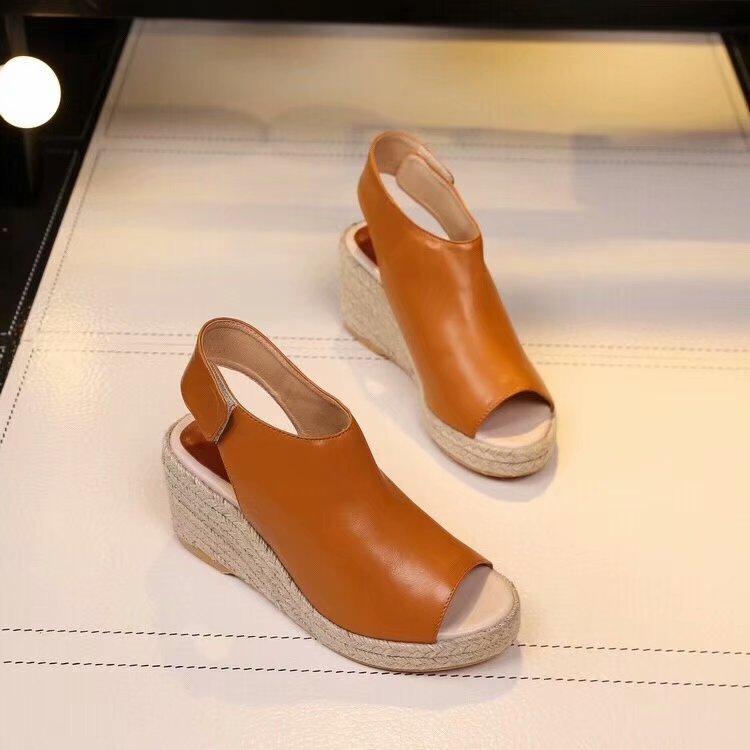 Venda quente de 2018 marca sapatos de plataforma de Moda de Nova Mulheres CEL couro do couro tamanho sandália senhora transporte 35-40 queda