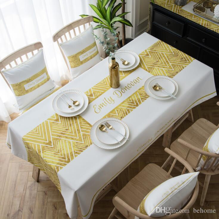 2019 Geometric Pattern ins Table Cloth European High Quality Small Fresh European Simple Red Table Cloth Hot Item Tea Table Cloth