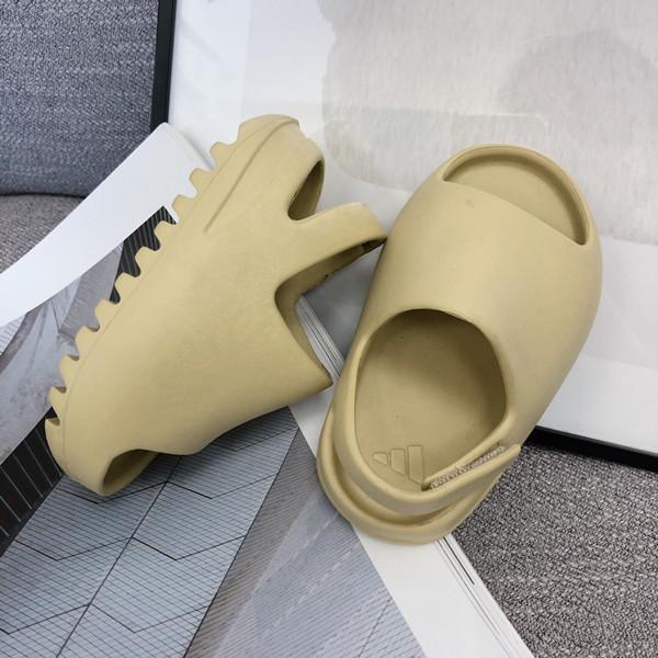 2020 New arrivel desinger Slippers Slide Foma Runner boys girls Water Shoes fashion Bone Desert Sand Resin white black Toddlers shoes