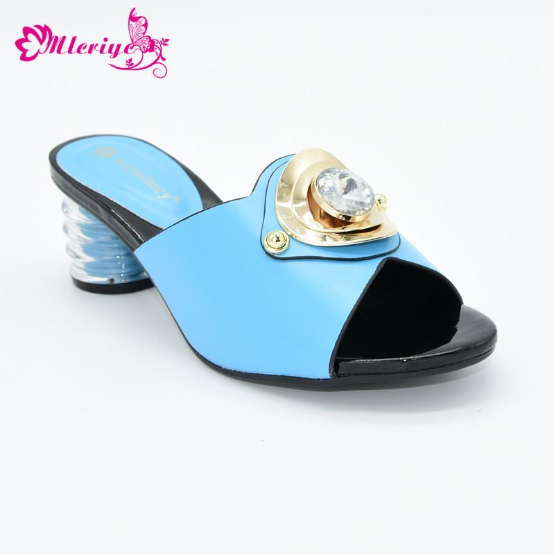 Scarpe Sky Color Blu nuova novità di disegno alta qualità di stile nigeriano Donne Scarpe con i tacchi per festa di nozze