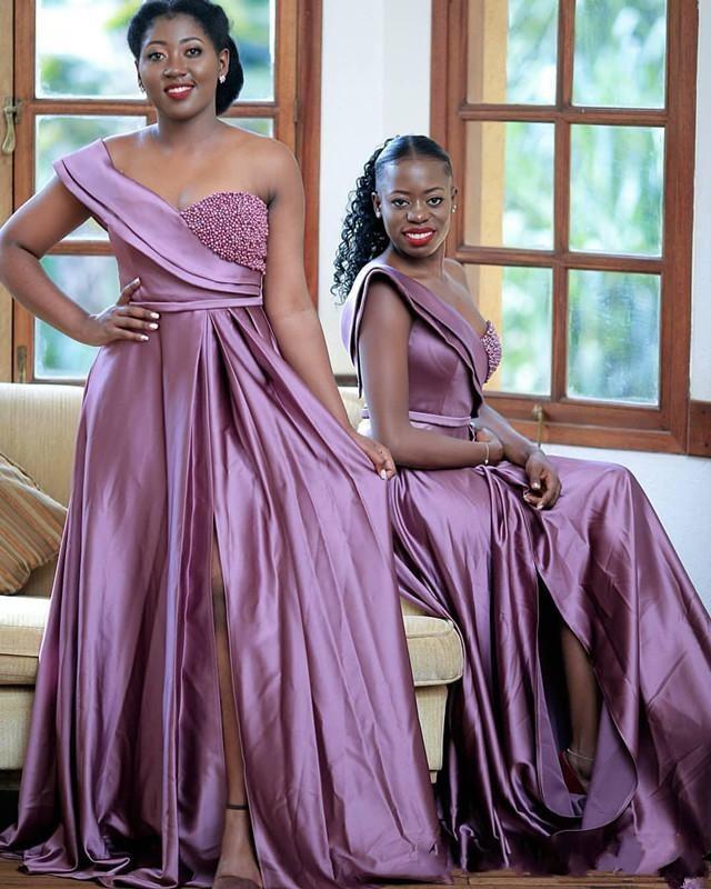 Árabe baratos lila vestidos de dama de un hombro a largo para las bodas Perlas de alta división de longitud de más tamaño Maid formal de honor Vestidos