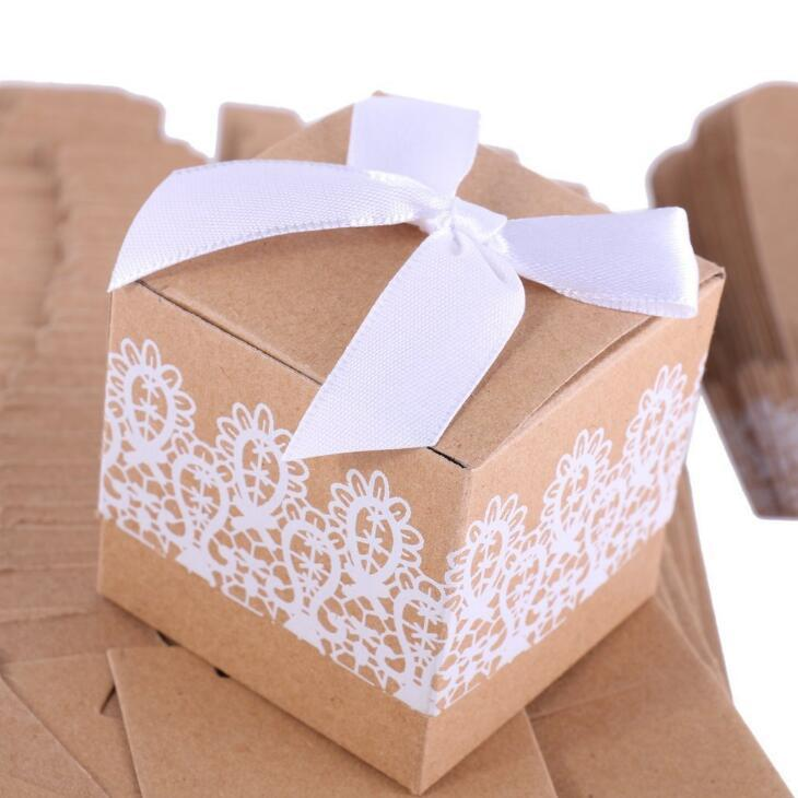Quadratische Form-Süßigkeit-Kästen für Wedding Favor Kraft Papier Geschenk-Box europäischen Stil Rustikal Spitze Fall LX2180
