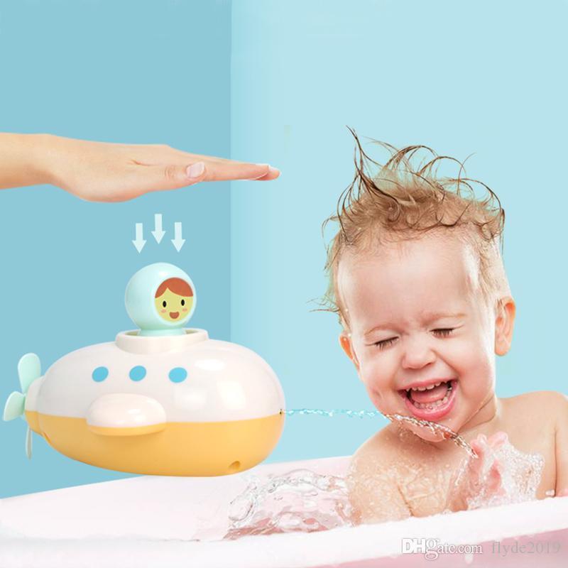 Submarine Baby Bath Toy Clockwork Dabbling Floating Spray Shower Bathroom Bathtub Wind Up Kids Toy Swimming Pool Play Water Game