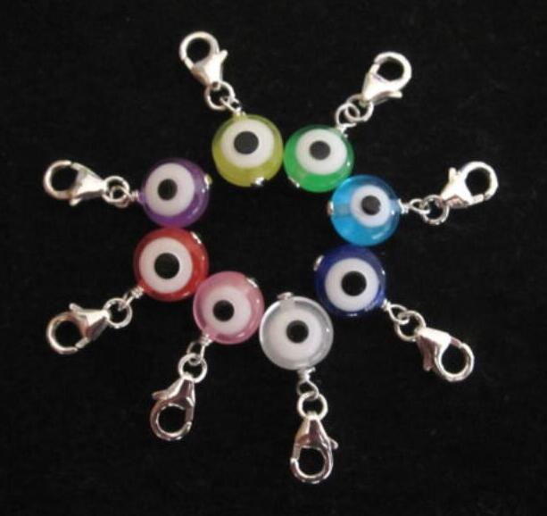 Mixte Couleur des yeux en plastique démon clip sur Charms pendentif pour bracelets porte-clés Bijou de mode gothique main Accessoires cadeaux 120pcs
