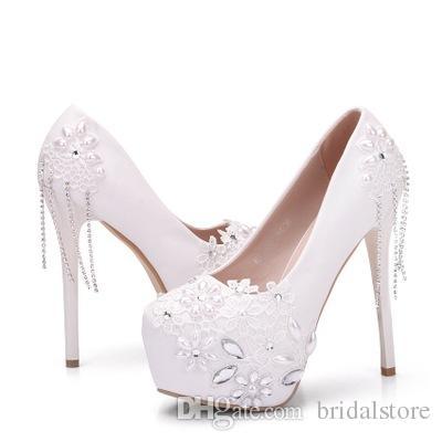Sapatos de casamento de luxo Lace White campagus Stiletto plataforma mulheres de salto alto com strass tamanho grande dedo do pé fechado bombas de sapatos de noiva 2019