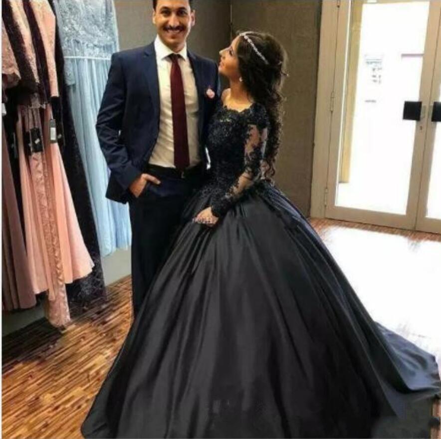 Satin Vintage dentelle noire robe de bal gothique robes de soirée à manches longues 3D Floral Applique étage Longueur Robes de soirée robe de bal